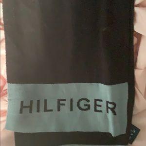 Tommy Hilfiger scarf